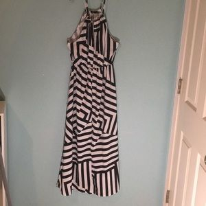 Dresses & Skirts - Cute black and white sundress